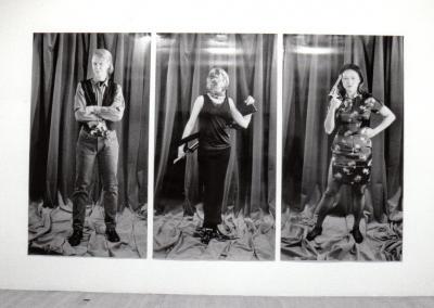 """ANNIE GET YOUR GUN © Lynne Marsh, exposition """"Get Your Gun"""", Galerie B-312, 1995."""