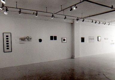 Exposition bénéfice LA TENTATION DU RIEN © Exposition La tentation du rien, Galerie B-312, 2000, Crédit Photo: Miroslav Ménard.